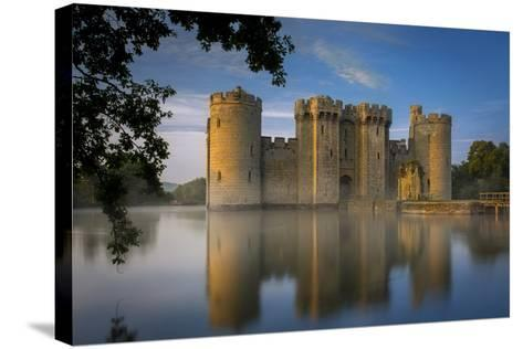 Dawn at Bodiam Castle, Bodiam, Robertsbridge, East Sussex, England-Brian Jannsen-Stretched Canvas Print