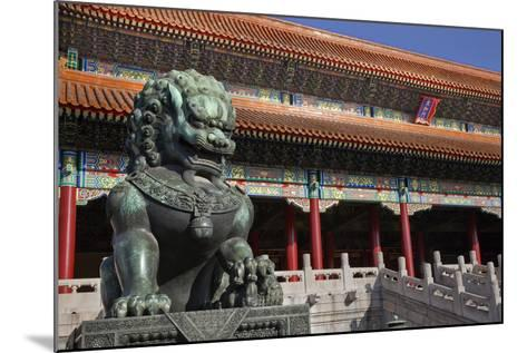 Dragon Bronze Statue with Hand , the Ming Dynasty-William Perry-Mounted Photographic Print