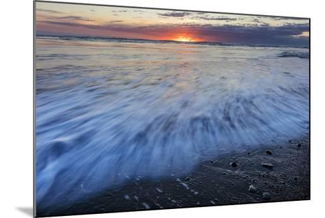 Sunrise over the North Atlantic Ocean at Jokulsarlon, Iceland-Chuck Haney-Mounted Photographic Print