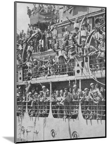 More British Troops to Frances Aid, 1940, (1940)--Mounted Photographic Print