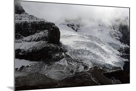 Snowy Landscape in Athabasca Glacier, Alberta, Canada-Raul Touzon-Mounted Photographic Print