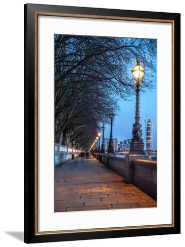 Walk along the Thames in London-arturasker-Framed Art Print