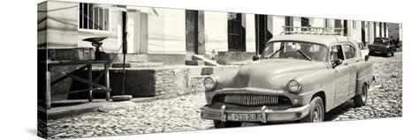 Cuba Fuerte Collection Panoramic BW - Old Taxi in Trinidad-Philippe Hugonnard-Stretched Canvas Print
