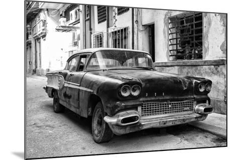 Cuba Fuerte Collection B&W - Old American Pontiac-Philippe Hugonnard-Mounted Photographic Print