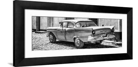 Cuba Fuerte Collection Panoramic BW - Old American Classic Car II-Philippe Hugonnard-Framed Art Print