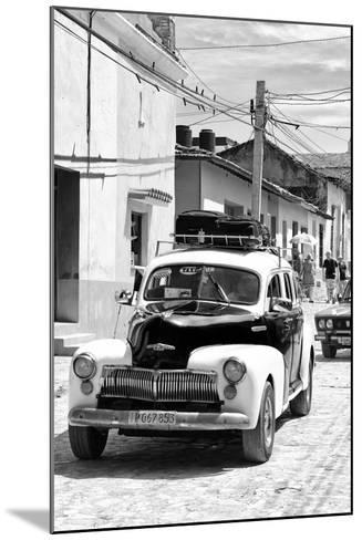 Cuba Fuerte Collection B&W - Classic Car Taxi II-Philippe Hugonnard-Mounted Photographic Print