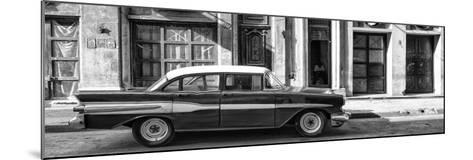 Cuba Fuerte Collection Panoramic BW - Old Car in Havana II-Philippe Hugonnard-Mounted Photographic Print