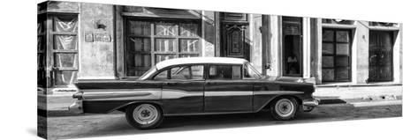 Cuba Fuerte Collection Panoramic BW - Old Car in Havana II-Philippe Hugonnard-Stretched Canvas Print