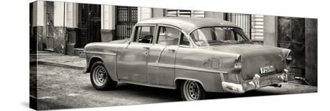 Cuba Fuerte Collection Panoramic BW - Cuban Classic Car in Havana III-Philippe Hugonnard-Stretched Canvas Print