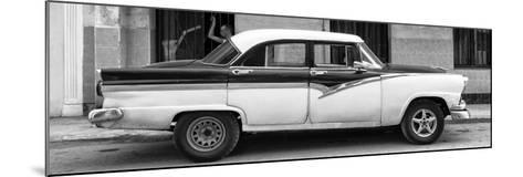 Cuba Fuerte Collection Panoramic BW - American Classic Car in Havana II-Philippe Hugonnard-Mounted Photographic Print