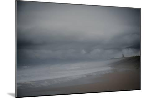 Against the Wind-Valda Bailey-Mounted Photographic Print