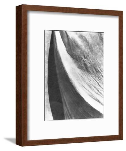 Cloth, Mexico, 1924-Tina Modotti-Framed Art Print