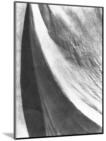 Cloth, Mexico, 1924-Tina Modotti-Mounted Photographic Print