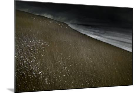 Against the Tide-Valda Bailey-Mounted Photographic Print