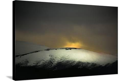 Highland Dawn-Valda Bailey-Stretched Canvas Print