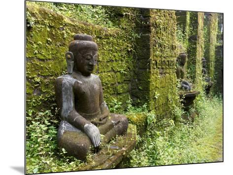 Buddha statues at Koe Thaung temple built by King Min Taik Kha, Mrauk U, Rakhine State, Myanmar--Mounted Photographic Print