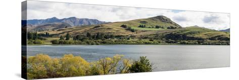 Scenic view of Lake Hayes near Arrowtown, Queenstown Lakes District, Central Otago, Otago Region...--Stretched Canvas Print