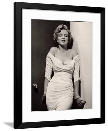 Marilyn Monroe-Philippe Halsman-Framed Art Print
