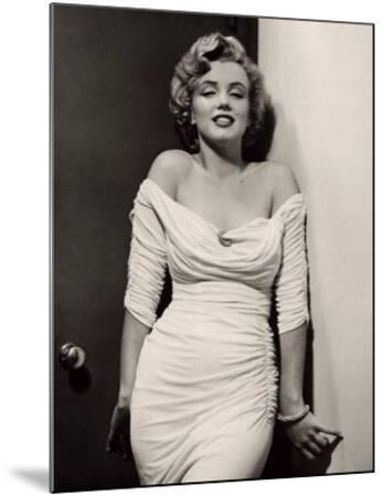 Marilyn Monroe-Philippe Halsman-Mounted Art Print