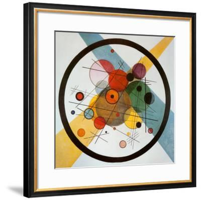 Circle in a Circle-Wassily Kandinsky-Framed Art Print