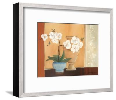 Weibe Orchideen II-Juliane Jahn-Framed Art Print