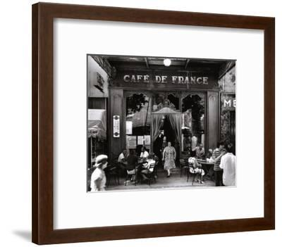Café de France-Willy Ronis-Framed Art Print