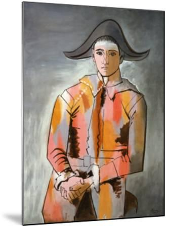 Arlequin, Les Mains Croisee, 1923-Pablo Picasso-Mounted Art Print