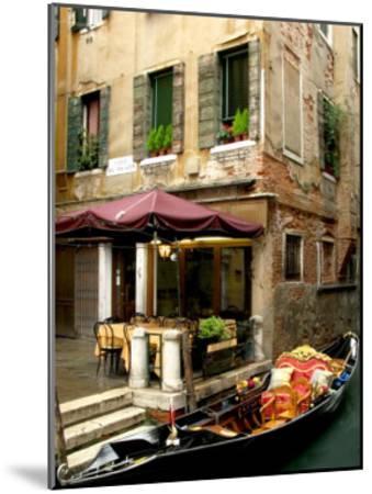 Calle de Magazen, Venice-Igor Maloratsky-Mounted Art Print