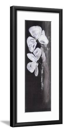 Deux Fleurs Fond Noir-Marielle Paccard-Framed Art Print