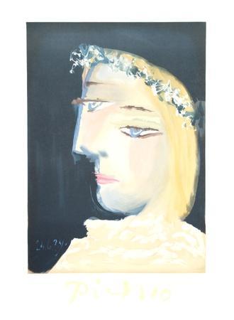 Femme a la Robe, Blanche Couronee de Fleurs-Pablo Picasso-Collectable Print