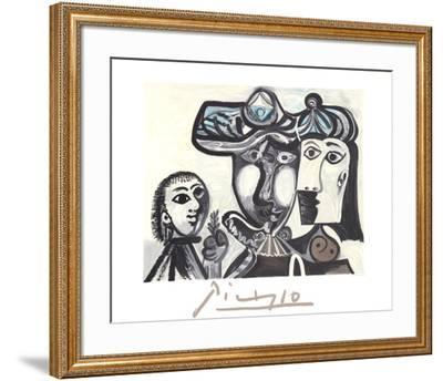 Couple et Enfant au Rameau D'Olivier-Pablo Picasso-Framed Collectable Print