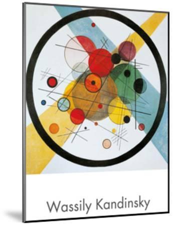 Circles in a Circle-Wassily Kandinsky-Mounted Art Print