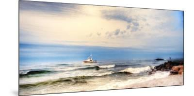 Heading to Sea-Danny Head-Mounted Giclee Print