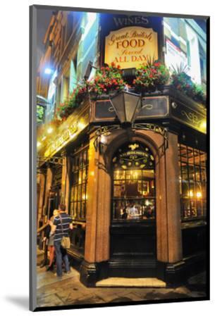 Nicholson Pub, London, South of England, United Kingdom of Great Britain--Mounted Art Print