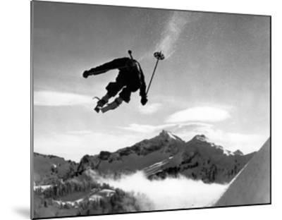 Ski racer-Underwood-Mounted Giclee Print