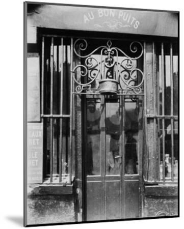 Paris, 1901 - Au bon puits, rue Michel Le Conte-Eugene Atget-Mounted Art Print
