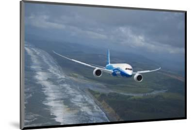 Boeing 787 Dreamliner--Mounted Art Print