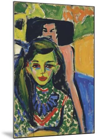 Fränzi in front of a Carved Chair, 1910-Ernst Ludwig Kirchner-Mounted Premium Giclee Print