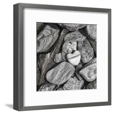 Stone Heart 2 - Square-Lebens Art-Framed Art Print