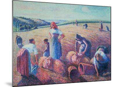 Women Haymaking, 1889-Camille Pissarro-Mounted Giclee Print
