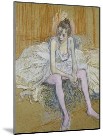 A Seated Dancer with Pink Stockings, 1890-Henri de Toulouse-Lautrec-Mounted Giclee Print