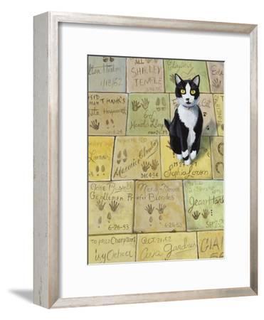 Cat in Hollywood (Chat a Hollywood)-Isy Ochoa-Framed Giclee Print