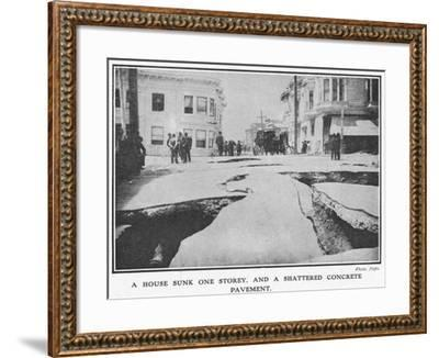 Aftermath of the 1906 San Francisco Earthquake, 1906--Framed Giclee Print