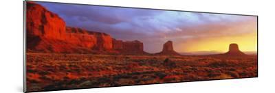 Sunrise, Monument Valley, Arizona, USA--Mounted Photographic Print