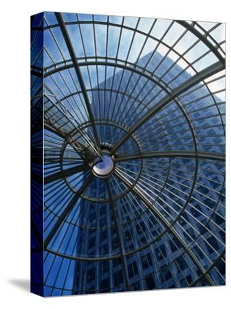 An Eye on the Sky, Canary Wharf - London, England-Doug McKinlay-Stretched Canvas Print