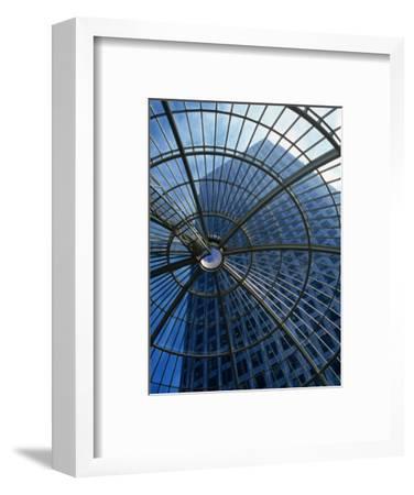 An Eye on the Sky, Canary Wharf - London, England-Doug McKinlay-Framed Photographic Print
