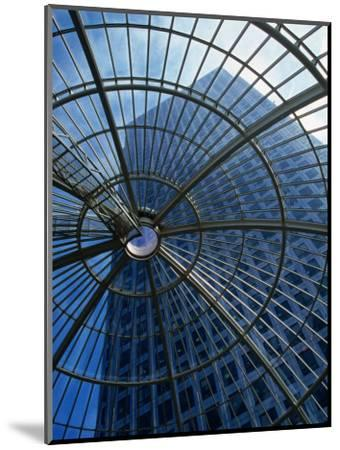 An Eye on the Sky, Canary Wharf - London, England-Doug McKinlay-Mounted Photographic Print