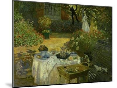 Le Dejeuner (Luncheon in the Artist's Garden at Giverny), circa 1873-74-Claude Monet-Mounted Giclee Print