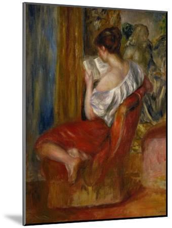 Reading Woman, circa 1900-Pierre-Auguste Renoir-Mounted Premium Giclee Print