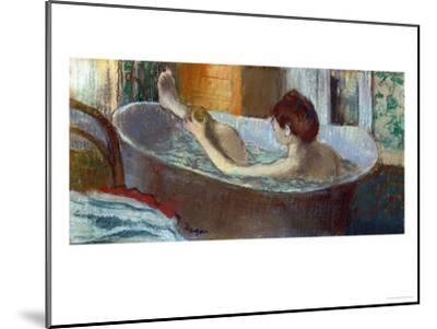 Woman in Her Bath, Washing a Leg, 1883-1884-Edgar Degas-Mounted Giclee Print